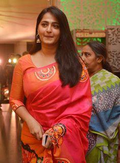 Beautiful Girl Indian, Most Beautiful Indian Actress, Beautiful Saree, Beautiful Women, Beautiful Gorgeous, Beautiful Bollywood Actress, Beautiful Actresses, Anushka Shetty Saree, Saree Painting