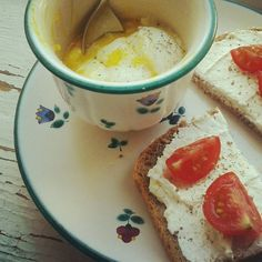 Breakfast: another typical Austrian cuisine: Ei im Glas - soft-boiled egg served peeled in a glass. As a kid I always got my eggs served in a glas or cup and sometimes I really love to prepare it this way myself :) Served with gluten free bread with spread cheese. Yumm Yumm.  #eggs #gluten-free-bread #spread-cheese #tomatoes #vegetarian #breakfast