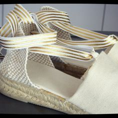 Add premium ribbons to your order to change your espadrilles whenever you like!
