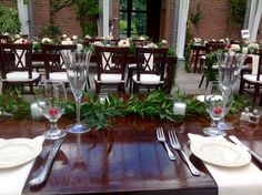 Sweetheart table, looking out at their guests