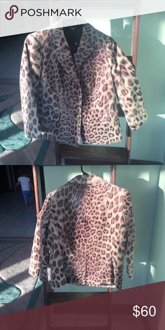 """TALBOTS 10p leopard jacket NWT Never worn, new with tags. This jacket is known as the """"Kate fit, romantically curvy"""" in the TALBOTS world. This is a size 10, petites.  Shell:  100% cotton Lining, 100% cotton Talbots Jackets & Coats"""