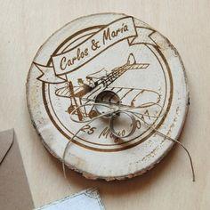 Porta anillos personalizado de madera