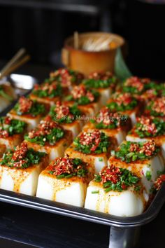 Sweet and savoury mung bean jelly cubes, can be topped with chillies and scallions or sesame and peanuts. #Chilies #chengdu #streetfood