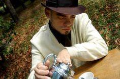 """Às 22h do dia 11 de novembro o Studio SP recebe Bruno Morais pelo projeto Cedo & Sentado. Bruno apresenta canções de seu novo disco """"A Vontade Superstar"""", com entrada Catraca Livre. O show é fiel aos arranjos e à ordem do disco, levando o públioco a uma sensação catártica. """"A Vontade Superstar"""", que contou...<br /><a class=""""more-link"""" href=""""https://catracalivre.com.br/sp/agenda/barato/cedo-sentado-recebe-bruno-morais/"""">Continue lendo »</a>"""