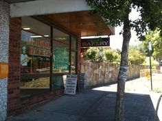 Trawool bakery in Box Hill, Victoria is a lovely old fashioned suburban bakery. Be sure to get in early on Saturdays, as they sell out of fresh bread super fast! #bread #cake #pies