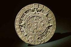 . Этот памятник служит ключом к мифологии и символике доколумбовой Америки. Это, с одной стороны, календарь, в котором запечатлены циклы существования Солнца, Земли, Венеры, Луны и других планет солнечной системы. С другой стороны – космическая мандала, в которой символически представлена сложная структура мира. Камень Солнца является одним из самых ярких памятников древней цивилизации Центральной Америки.