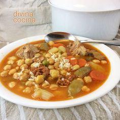 You searched for Sopa de verduras con garbanzos - Divina Cocina Chili Recipes, Mexican Food Recipes, Soup Recipes, Vegetarian Recipes, Cooking Recipes, Ethnic Recipes, Spanish Stew, Spanish Food, Veggies