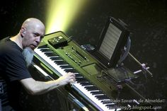 """Dream Theater's Jordan Rudess giving a """"mean eye"""" to the audience"""