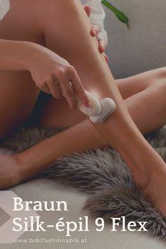 """Der neue Silk-épil 9 Flex überzeugt durch seine effiziente und langanhaltende Haarentfernung. Mit seinem flexiblen Kopf gelangt er auch an """"verzwickte"""" Körperstellen um diese zu enthaaren. Weiters ist der Epilierer wasserdicht und kann somit auch in der Badewanne oder unter der Dusche angewendet werden. Im Nu kann der Silk-épil 9 Flex auch zu einer Body Peeling Bürste verwandelt werden. Das Beauty Set beinhaltet außerdem eine praktische Gesichtsreinigungsbürste mit verschiedenen Aufsätzen."""