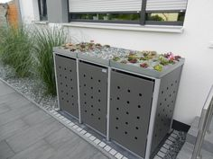 Dustbin box Quadra liters- Mülltonnenbox Quadra 120 / 240 Liter Product features: Available in many color combinations Made in Germany Tilting device for easy filling Height-adjustable feet High-quality powder-coated The Müllbox Quadra is for … - Garbage Storage, Storage Bins, Patio Storage, Backyard Garden Design, Diy Garden Decor, Pool Equipment Enclosure, Patio Plants, Cement Patio, Flagstone Patio