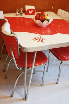On Sale Vintage 1950 S Kitchen Table Amp Chairs By