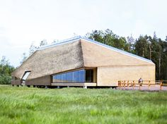 """Képtalálat a következőre: """"modern reed roof"""""""