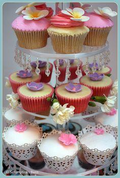 Flower Cupcakes Sweet Cupcakes, Flower Cupcakes, Fondant Cupcakes, Wedding Cupcakes, Cupcake Cookies, Cupcake Arrangements, Mini Cakes, Cup Cakes, Cupcake Heaven