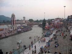 #magiaswiat #Haridwar #podróż #wakacje #zwiedzanie # indie #blog #ghaty #ganges #rzeka Haridwar, Indie, New York Skyline, Dolores Park, Blog, Travel, Viajes, Blogging, Destinations