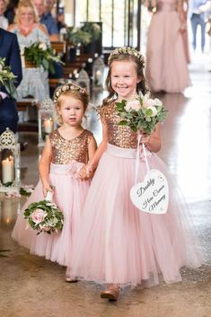pink rose gold Pailletten Flowergirl Kleider Blumenkrone Source by Rose Gold Wedding Dress, Gold Flower Girl Dresses, Tulle Flower Girl, Gold Wedding Theme, Wedding Bridesmaid Dresses, Wedding Colors, Girls Dresses, Princess Flower, Pink Tulle