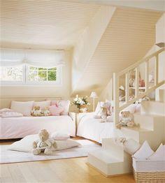 kleines kinderzimmer mit dachschr ge wei streichen und optisch vergr ern tumblr room. Black Bedroom Furniture Sets. Home Design Ideas
