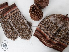 Beautiful winter Fair-Isle mittens that forms a perfect set together with the Tweed beret. Mittens Pattern, Knit Mittens, Knitted Hats, Knitting Designs, Knitting Patterns Free, Free Knitting, Fair Isle Knitting, Textiles, Knitting Accessories