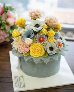 Soy bean paste cream flower ricecake.  3D flower ricecake class  Done by Hong Kong student. Soy bean  paste cream flower ricecake~♡ 韩式豆沙裱花  #cake #modelling #flowercake #barbie  #flowercake #flower #design #dessert#food#ricecake #class #inquiry #CAKEnDECO  # 韩式豆沙裱花  #앙금플라워떡케이크  #앙금플라워 #앙금플라워떡케익  #플라워케이크 #韩式裱花 #앙금모델링 #떡케이크 #케이크  #떡 #디저트#花#koreanflowercake #韓国式 #포토그램 #플라워 #플라워케이크 #裱花  #beanpaste # #케익앤데코  KakaoTalk, WeChat ID : cakendeco Line ID : cakendeco  http://www.cakendeco.co.kr