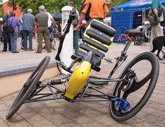 TripendoTilted - Tilting three-wheeler - Wikipedia, the free encyclopedia