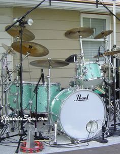 Jammin Sam » Turquoise Glass Glitter on Drums