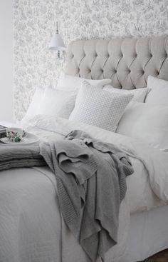 Cushions & blanket