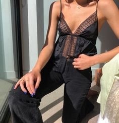 [New] The 10 Best Outfit Ideas Today (with Pictures) - I want to find a top like this one so much - - - - - - - - - - - - 80s Fashion, Fashion Killa, Look Fashion, Fashion Outfits, Womens Fashion, Fashion Tips, Latex Fashion, Fashion Vintage, Korean Fashion