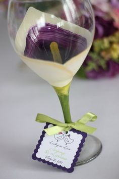 Wine glass painted as a calla lily.....so cute!