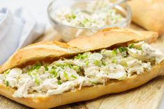 Creamy chicken salad (from pulled chicken) - Salad recipe Pulled Chicken Salad Recipe, Chicken Salad Recipes, Green Salad Recipes, Macaroni Salad, Salad Bar, Creamy Chicken, Mediterranean Recipes, Breakfast Recipes, Good Food