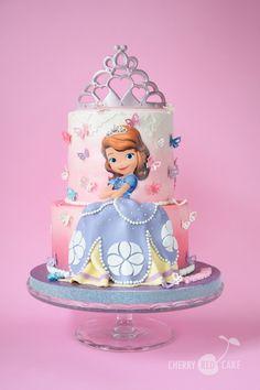 Sofia The First Birthday Cake, 1st Birthday Party For Girls, Candy Birthday Cakes, Image Birthday Cake, Princess Sofia Cake, Bolo Fack, Barbie Theme, Beautiful Birthday Cakes, Red Cake