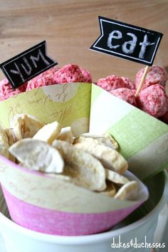 paper cone snack station idea for kids Snack Station, Paper Cones, Bowl Fillers, Perfect Party, Creative Crafts, Entertaining, Make It Yourself, Snacks, Boys