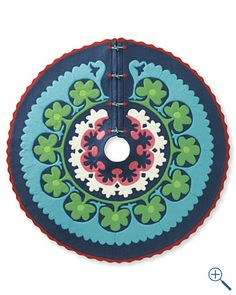 Love this Scandinavian inspired felt tree skirt.