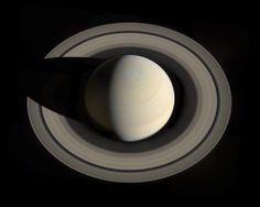Saturn i jego pierścienie - foto z odległości 900 000 000 mil.   Saturn and its rings - taken from a distance of 900 000 000 miles