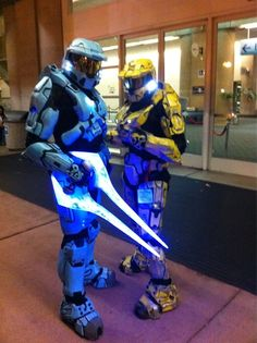 Halo Cosplay. I won't be able to make something this good but it's a good template to work from.