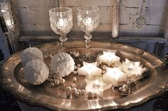 Perfect silver & white sparkly setting for Christmas as well as for new years eve!