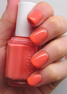 Essie ● Resort Fling (alluring coral peach), resort 2014
