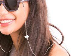 gafas gafas de oro, delicada la cadena, soporte de gafas con encanto hermoso pájaro de mirada elegante Beaded Jewelry Designs, Jewelry Art, Handmade Jewelry, Glasses Online, Eye Glasses, Eyewear, Necklace Holder, Reading Glasses, Chains