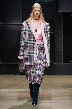 Marni Fall 2019 Ready-to-Wear Fashion Show Collection: See the complete Marni Fall 2019 Ready-to-Wear collection. Look 14 Fall Winter, Autumn, Fashion Show Collection, Marni, Ready To Wear, Vogue, Menswear, Spring Summer, Couture