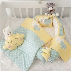 Free crochet pattern for baby Baby Dress Design, Baby Design, Baby Sheets, Baby Painting, Free Crochet, Crochet Baby, Crochet Pattern, Baby Pillows, Kids Room Design