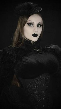 Victorian Gothic, Gothic Beauty, Witches, Halloween Face Makeup, Style, Fashion, Swag, Moda, Bruges
