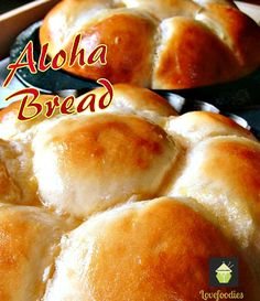 ALOHA BREAD! I made the recipe super easy for you, the rolls are sweet, soft, and oh yes..... they even say Aloha when you bite into them!  #Bread #Hawaiian #softrolls