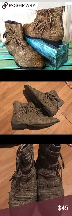 Free People boots Free People taupe descades raw suede ankle boots. Size 6. Never been worn. Original $170. No box. Free People Shoes Ankle Boots & Booties