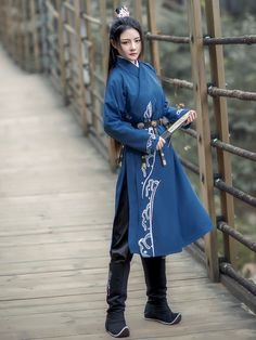 Japanese Outfits, Korean Outfits, Traditional Fashion, Traditional Dresses, Hanfu, Cool Outfits, Fashion Outfits, Fantasy Dress, Chinese Clothing