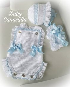 No photo description available. Baby Dress Patterns, Baby Knitting Patterns, Crochet Patterns, Love Crochet, Knit Crochet, Baby Pop, Crochet Baby Clothes, Heirloom Sewing, Baby Dolls