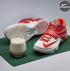 355fca57c89b The Nike KD 7 Christmas Egg Nog has been unveiled by Nike Basketball. Kevin  Durant will wear the Egg Nog Nike KD 7 Premium on Christmas Day.