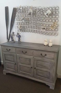 Finish for master bedroom wood Annie Sloan Chalk Paint® Paris Grey, Graphite and soft wax. By Junk Dog˜Salvage… Redo Furniture, Refurbished Furniture, Painted Furniture, Home Decor, Chalk Paint Furniture, Paint Furniture, Furniture Rehab, Home Diy, Furniture Makeover