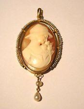 Pendentif ancien camée  perles fines or 18 carats 18 k  750  Art Nouveau