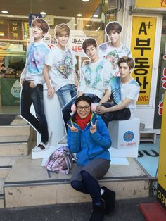 When in Korea be sure to take a selfie with the cardboard cut outs, to make up for not seeing real Celebs✌️