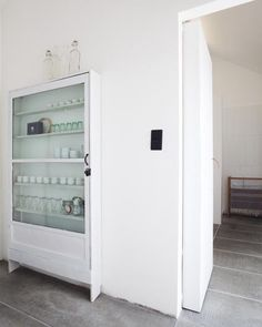 Really great idea to store on a wall where you can't build too deep. Had a 12 inch pantry like this once.