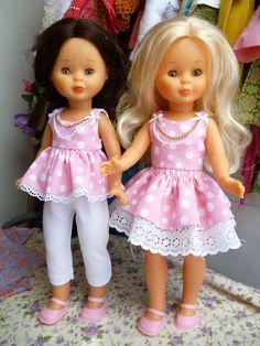Os pongo los modelos que tengo disponibles ahora mismo , los de comunión y alguno mas son para enviar ya , no reservo ninguno ... Ropa American Girl, American Girl Clothes, Baby Girl Dresses, Girl Outfits, Flower Girl Dresses, Baby Doll Clothes, Doll Clothes Patterns, Tiny Dolls, Cute Dolls