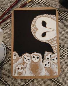"""""""quand tes enfants ressemblent à des fantômes"""" chouette n°3 , gouache sur carton. Une chouette effraie et ses petits .  #illustratrice… Gouache, Illustration, Playing Cards, Barn Owls, Scary, Children, Illustrations, Playing Card Games, Game Cards"""
